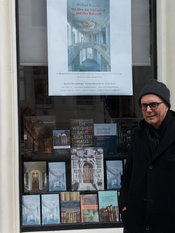 Schaufenster der Buchhandlung Böttger, Bonn im März 2018