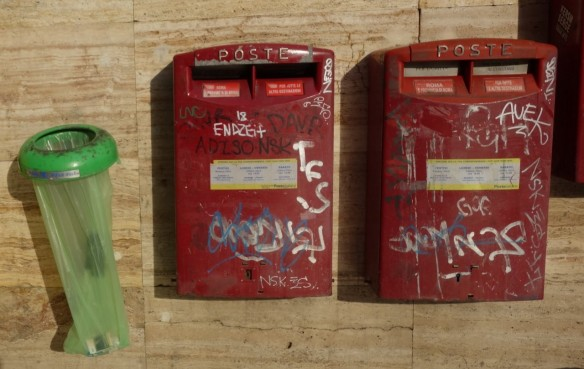 Roter Briefkasten in Termini, Rom