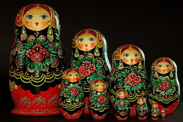 Puppen in der Puppe wie Sammlungen in der Sammlung